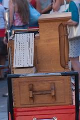 Musicien dans l'Intra (saintmalojmgphotos) Tags: saintmalo intramuros intra 35400 35 musique musiciens murs musicien mime