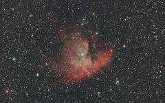 NGC281 - Pacman Nebula Crop (DeepSkyDave) Tags: astrophotography astrofotografie astronomy astronomie night sky nacht himmel stars sterne deepsky cosmos kosmos natur nature long exposure langzeitbelichtung low light wenig licht canon eos 6d astrodon mod astrometrydotnet:id=nova1741034 astrometrydotnet:status=solved