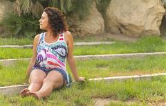 Esperando el da (palm z) Tags: alicante espaa spain parque embarazo embarazada beb escaln escalones barriga yerba hierba csped