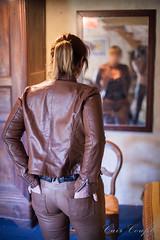 elle266 (Cuir Couple) Tags: cuir leder leather cuero veste jacket jupe skirt pantalon pant hosen mistress maitresse cuissardes matre master bondage bdsm cravache martinet