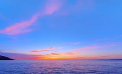 A Dreamy Sunset at Totland Bay (Simon Downham) Tags: sunset dusk cloud clouds totlaond bay sea max8319 pink blue yellow orange island ilseofwight