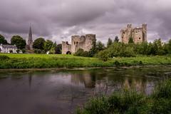 (Ciampy) Tags: castle ireland landscape nuvole cielo sky atmosfera atmosphere dark