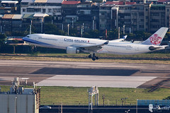 CHINA AIRLINES AIRBUS A330 B-18306 (Steven Weng) Tags:   taipei taiwan canon eos7d2       aircraft rcss   china airlines airbus a330 b18306 500mm ef500
