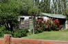 Primeira casa de Calafate (Vera Schuck Paim) Tags: rose rosa poppies pinhas argentinaslake calafatesgarden casastípicasdecalafate