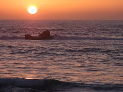 Sunset, Rock Beach, Bat Yam (2) (dlisbona) Tags: sunset sea vacation mer holiday beach vacances soleil israel telaviv seaside sonnenuntergang  coucherdusoleil batyam