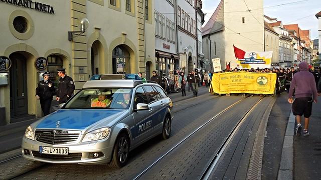 auto car germany deutschland thüringen erfurt police demonstration mercedesbenz streetphoto polizei automobil pkw blaulicht streifenwagen kraftfahrzeug polizeithüringen peopleonpath