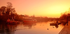 River Dee Walk (Servel) Tags: uk light sunset england boat walk calm chester riverdee