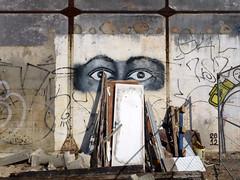 olhos (*L) Tags: streetart geotagged lisboa olhos santos portodelisboa travessãodesantos geo:lat=3870563680815582 geo:lon=9154133575567243