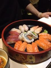 Barca Mista (HakkenMi) Tags: sushi barca milano sashimi kimono ume acqua ristorante flop une giapponese fingerfood foodblog bacchette schifo nighiri hakkenmi