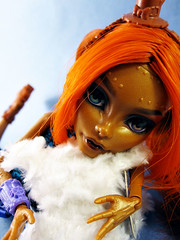 Wilhelmina (nonaptime) Tags: ooak repaint reroot customdoll colorchangingsaran monsterhigh robeccasteam