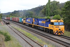 2012-11-17_1733-24-390 9306 and 9305 on 6BM4 at Picton (gunzel412) Tags: geotagged australia newsouthwales aus picton geo:lon=15061349273 geo:lat=3418155304