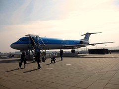 fokker 100 (dav_min) Tags: uk airport view display terrace terminal gb 100 klm schipol ams f28 mk airliner 0100 fokker cityhopper twinturbofan amsterdam2013