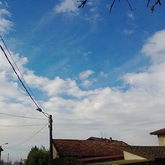 Un p di cielo #Lumia920 (casirfm) Tags: cameraphone square nokia squareformat normal brianza marzo 2013 casirfm pureview iphoneography instagramapp uploaded:by=instagram brianzashire lumia920
