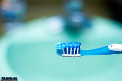 Day 91/365 - Toothbrush Bokeh! ([SiK-photo]) Tags: canon project 7d ricardo 365 velasquez project365 sikphoto sikphotocom