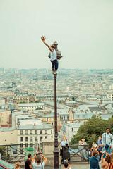 Got it! (Andrei Valentin) Tags: travel urban streetart paris france art europe artist ledefrance cityscape performingarts sacrecoeur efs1755mmf28isusm eos60d