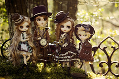 Meet the Brown family (Valrie Busymum) Tags: doll charlemagne dal retro groove alfred pullip johan mem brh isul obitsu taeyang rewigged rechipped busymum