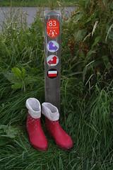 Red Chuvas with white dots (welliesfan1) Tags: leaky wellies laarzen wellworn wellingtons gummistiefel regenstiefel regenlaarzen g