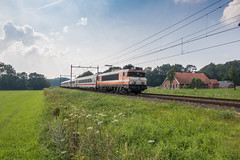Locon 9909 met ICB-stam, De Lutte (Dennis te D) Tags: locon 9909 icberlijn rijtuigen amsterdam badbentheim delutte farwickweg