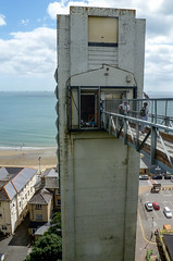 Shanklin lift (Chalto!) Tags: beach lift shanklin iow isleofwight building architecture