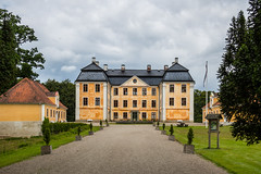 Christinehof Castle (Infomastern) Tags: christinehof architecture arkitektur building byggnad castle slott exif:model=canoneos760d exif:aperture=90 geocountry camera:make=canon exif:isospeed=100 camera:model=canoneos760d exif:focallength=32mm geolocation exif:lens=efs18200mmf3556is geostate geocity exif:make=canon