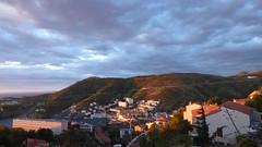 dans les rues de Cerbre, au soleil levant (Claudie K) Tags: aurore sunrise cerbre ctevermeille pyrnesorientales languedocroussillon occitanie