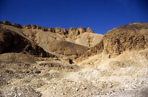"Ägypten 1999 (384) Thebanische Hügel • <a style=""font-size:0.8em;"" href=""http://www.flickr.com/photos/69570948@N04/29454671135/"" target=""_blank"">View on Flickr</a>"