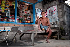 Lunch Time (Dragunars..) Tags: portrait bali man coffee indonesia photography nikon flickr flash ngc sb600 smoking flashphotography human photograph portraiture worker farmer indo speedlight indonesian warung balinese strobes sb800 d90 dragunars httpswwwflickrcomphotos71540294n04