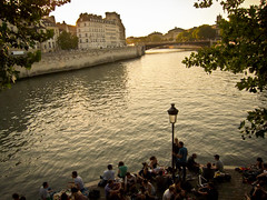 By the Seine 3 (Randy Durrum) Tags: bridge party summer paris france water seine canon river europe lamppost lightroom s95 dailyfrenchpod durrum leuropepittoresque canons95