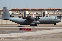 MM62193 C-130J Hercules Italian AF (JaffaPix +5 million views-thanks...) Tags: airplane flying aircraft aviation military transport flight cargo abudhabi lockheed hercules c130 herc c130j 4659 itaf italianaf mm62193 jaffapix abudhabiairexpo davejefferys