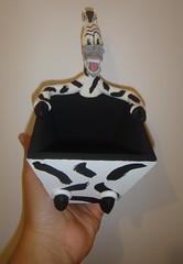 Porta Guloseima Marty (Ateliê Cláudia Freitas (antigo Biscuit by Taudia) Tags: alex gloria biscuit marty madagascar pinguim melman lembrancinha lembrancinhas porcelanafria
