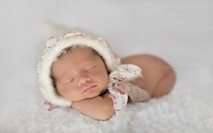 Kate (Didenze) Tags: portrait baby girl infant babygirl newborn didenze itsybitsyblooms