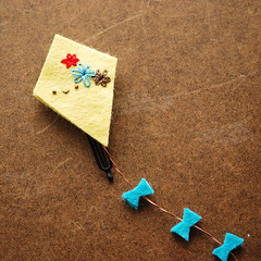 Flying Kit Hairclip (wildolive) Tags: kite hair diy craft felt clip accessory bobbypin wildolive