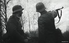 Grossdeutschland Aufklarungs at the battle of Kharkov private battle (Herr Henke) Tags: germany russia victory ww2 kharkov fusilier 1943 worldwartwo ostfront k98 panzergrenadier mg34 mp40 grossdeutschland whermacht grosdeutschland aufklarungs wwwgdreconcouk grosdeutschlandleutnant grosdeutschlandunteroffizier victoryshow2012