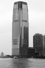 Goldman Sachs Tower (rmartinsssz) Tags: travel winter bw usa newyork black building skyscraper buildings newjersey jerseycity janeiro manhattan unitedstatesofamerica january eua novaiorque goldmansachstower estadosunidosdaamerica 2013 30hudsonstreet nikond90 rmartinsssz