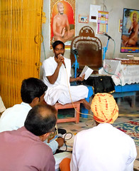 Prayer meeting (bokage) Tags: india temple prayer jain madhyapradesh digambara sonagiri sonagir
