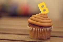 B (Fajer Alajmi) Tags: wood caramel cupcake letter
