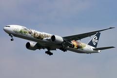 "Air New Zealand's Boeing 777-300/ER with ""The Hobbit"" colour scheme (Curufinwe - David B.) Tags: uk england london plane airport heathrow aircraft aviation flight vol boeing 777 airnewzealand avion lhr thehobbit boeing777 londonheathrow"