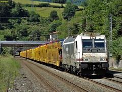 253 (firedmanager) Tags: train tren locomotive locomotora 253 ferrocarril freighttrain renfe trena railtransport renfemercancas bombardiertraxx