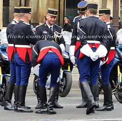 bootsservice 16 490438 (bootsservice) Tags: arme army uniforme uniformes uniform uniforms bottes boots riding boots weston moto motos motorcycle motorcycles motard motards motorcyclists motorbike gants gloves gendarme gendarmes gendarmerie nationale parade dfil 14 juillet bastille day champs elyses paris