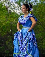 IMPRESIONANTE EN AZUL (panache2620) Tags: senorina hispanic beautiful blue hermosa lindissima amor azul spanish dancer female young girl latina latin southamerica naturalbeauty candid candidportrait portrait streetphotography eos sl1 vivid color