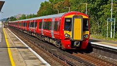387205 (JOHN BRACE) Tags: 2015 bombardier derby built class 387 electrostar emu 387205 seen horley station gatwick express livery