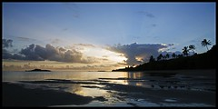 Dawn (Arnaud Huc) Tags: france ocanie nouvellecaldonie provincenord poingam relaisdepoingam soleil crpuscule couleurs sun dawn colors contrast arnaudhuc caledonia newcaledonia nikon d5100 1685