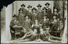 Archiv H184 Rekrutierung, 1896 (Hans-Michael Tappen) Tags: archivhansmichaeltappen rekut rekruten anzug schmuck uhrband charivari zigarre zigarillo gruppenfoto 1890er 1896 1890s