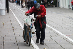(Baltasis Kivis) Tags: cycling bike bicycle people urban city kaunas lithuania street old