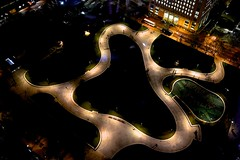 Shell Garden from Sky (Paulo N. Silva) Tags: uk garden nightshot londoneye shellheadquarters