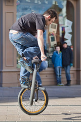 2s (snappitt photography) Tags: family people kids fun dance bmx candid streetphotography bikes belfast entertainment acrobatics cornmarket snappitt backinbelfast