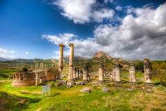 Temple of Artemis,Sardis (Nejdet Duzen) Tags: trip travel cloud history nature turkey temple roman trkiye ruin archeology harabe bulut tapnak sardis sardes turkei sart arkeoloji seyahat manisa doa tarih salihli artemistapna mygearandme besteverdigitalphotography besteverexcellencegallery