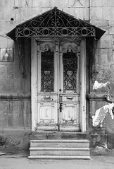 Old door (Dr. Harout) Tags: door old bw monochrome noiretblanc sony streetphotography armenia yerevan amount dyxum sal50m28 slta99v