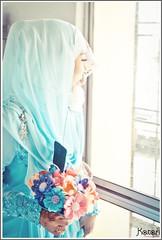 Who's There (katari85) Tags: zeiss 35mm sam minolta sony hijab carl konica f18 tamron f28 70200mm a300 katari 1680 f3545 a700 1118mm sonyalpha katari85
