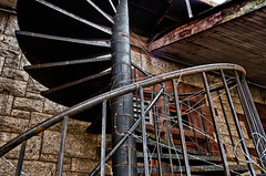 Spiral Staircase (PAJ880) Tags: station stairs ma spiral wire rr blocked barb waltham